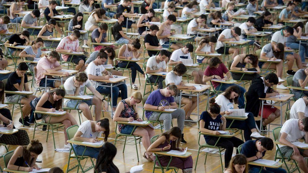 Foto: Tras la selectividad (ahora EBAU), los estudiantes tienen que elegir carrera.