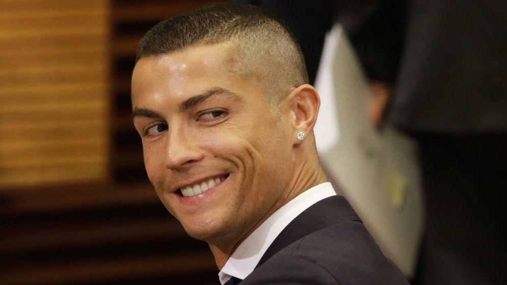Noticias de famosos eva y mateo los nuevos gemelos de for Ronaldo coupe de cheveux 2018