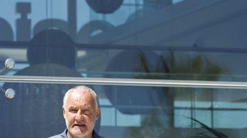 El dueño de Desigual, Meyer, comparece en público tras décadas esquivando a la prensa