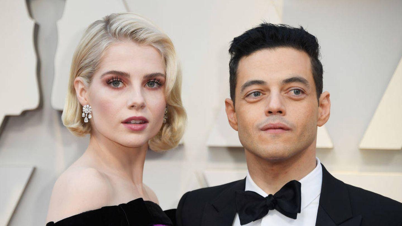 Lucy Boynton y Rami Malek en la noche de los Oscar. (Getty)