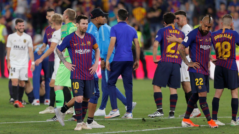 Foto: Messi, con los brazos en jarra tras perder la final de Copa. (Reuters)