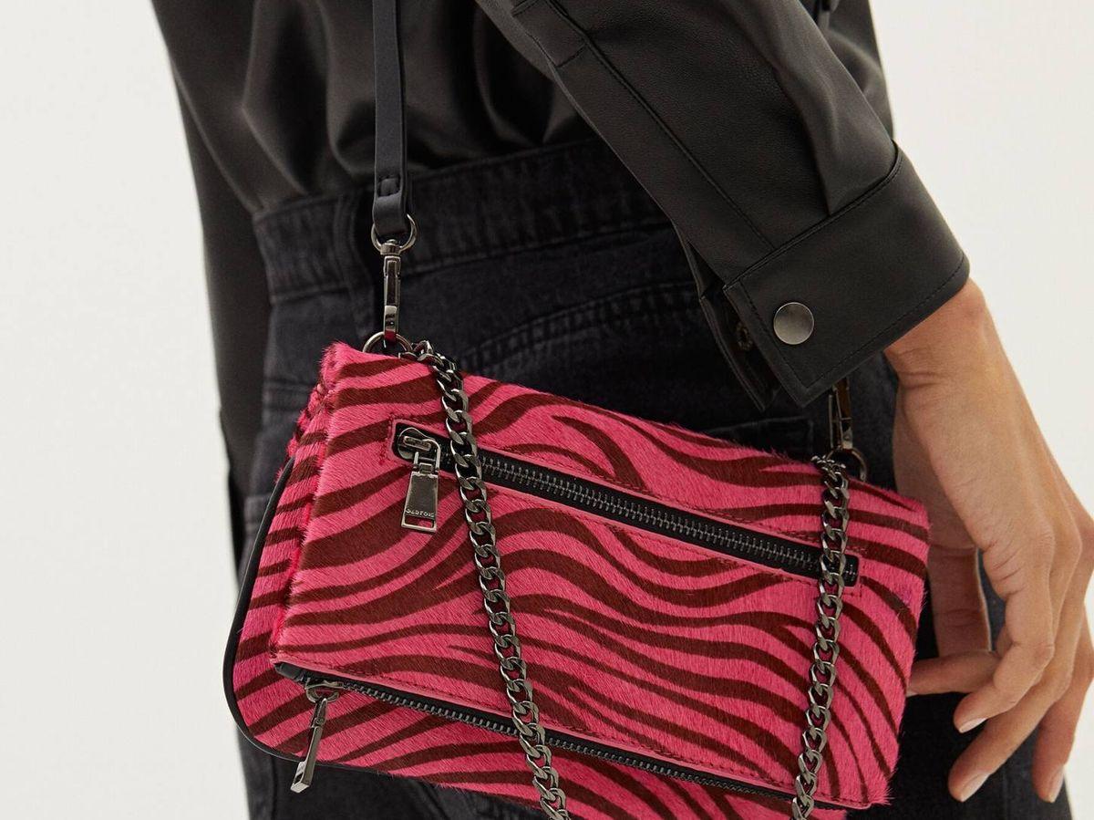 Foto: Inunda de color tus looks con este bolso de Parfois. (Cortesía)