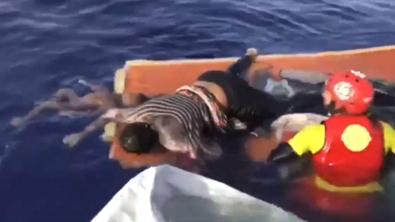 Otro vídeo de vergüenza en el Mediterráneo del ahogamiento de un niño y una mujer