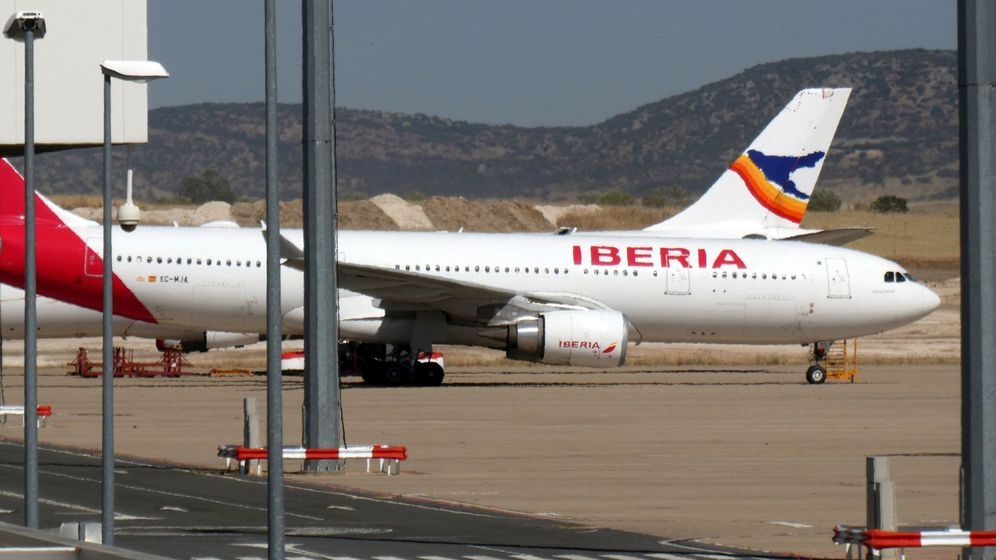 Foto: Avión de Iberia en el aeropuerto de Ciudad Real. (EFE)