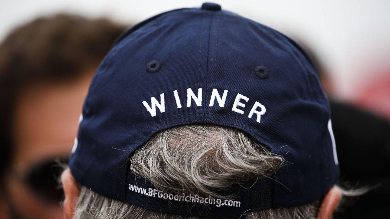La gorra que declara ganador a Sainz. (EFE)
