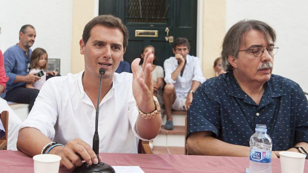 Foto: El presidente de Ciudadanos, Albert Rivera, y el portavoz de Ciudadanos en Baleares, Xavier Pericay (d). (EFE)