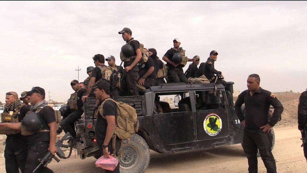 Foto: Fuerzas especiales iraquíes de la Golden Division en el frente de Bazwaia, a tres kilómetros de Mosul (Foto: Pilar Cebrián).