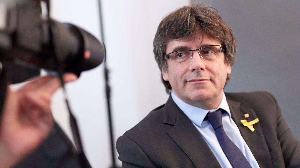 Foto: El expresidente de la Generalitat Carles Puigdemont posa para los fotógrafos tras un encuentro con periodistas extranjeros acreditados en Alemania la pasada semana. (EFE)