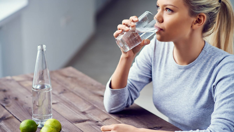Las señales de que el agua que sale de tu grifo puede estar mala