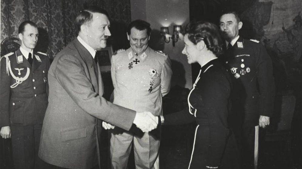 Foto: La ceremonia de entrega de la Cruz de Hierro, en 1941. (Bundesarchiv)