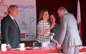 Juan Carlos y 'Bigote' Arrocet visitan a Letizia el Día de la Banderita