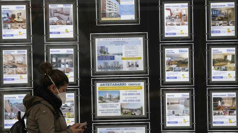 La compraventa de viviendas bajó un 12,7% en agosto, su menor descenso desde marzo
