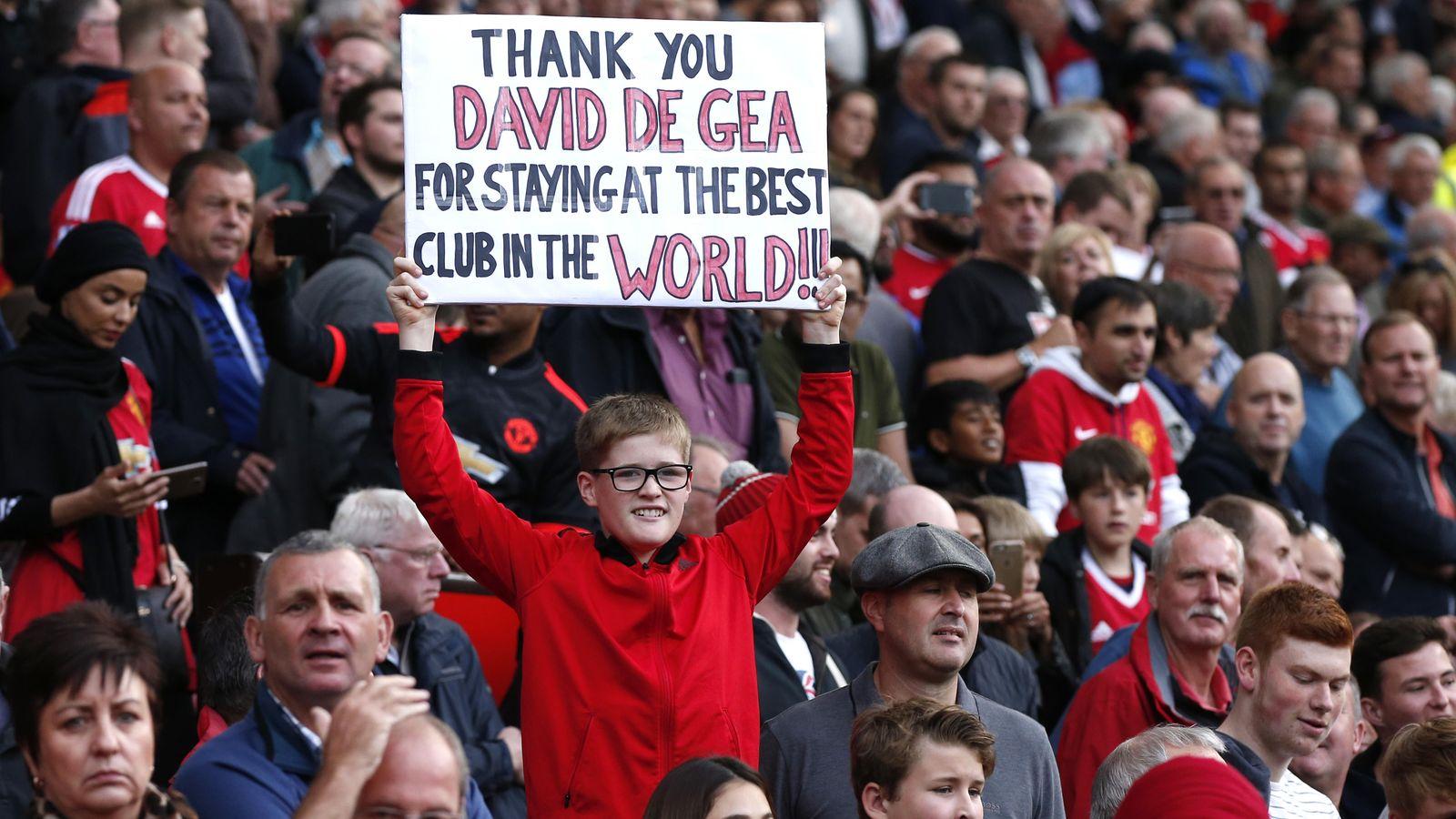 Foto: La afición del Manchester United tributó un gran recibimiento a De Gea (Reuters)