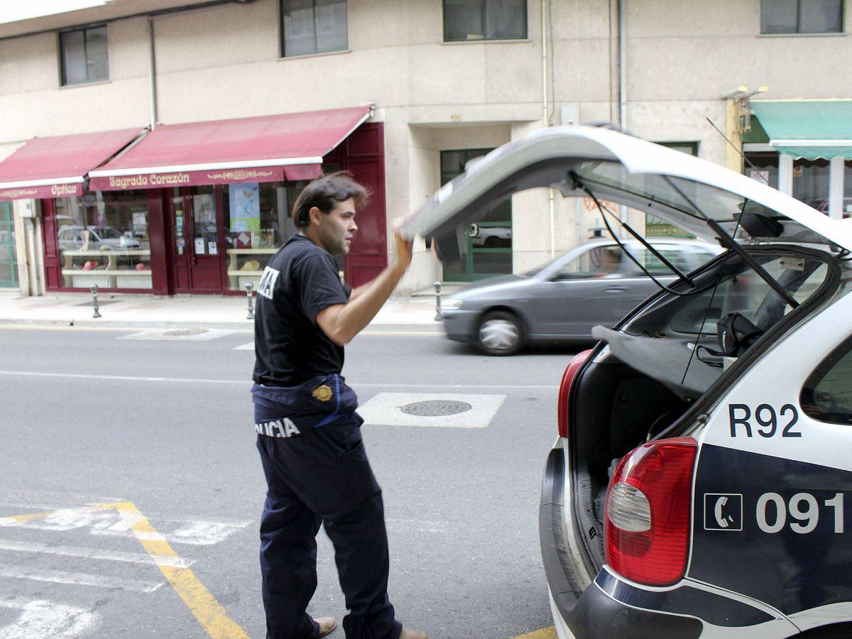 Foto: La policía detuvo a seis jóvenes de entre 22 y 26 años (EFE/Elíseo Trigo)