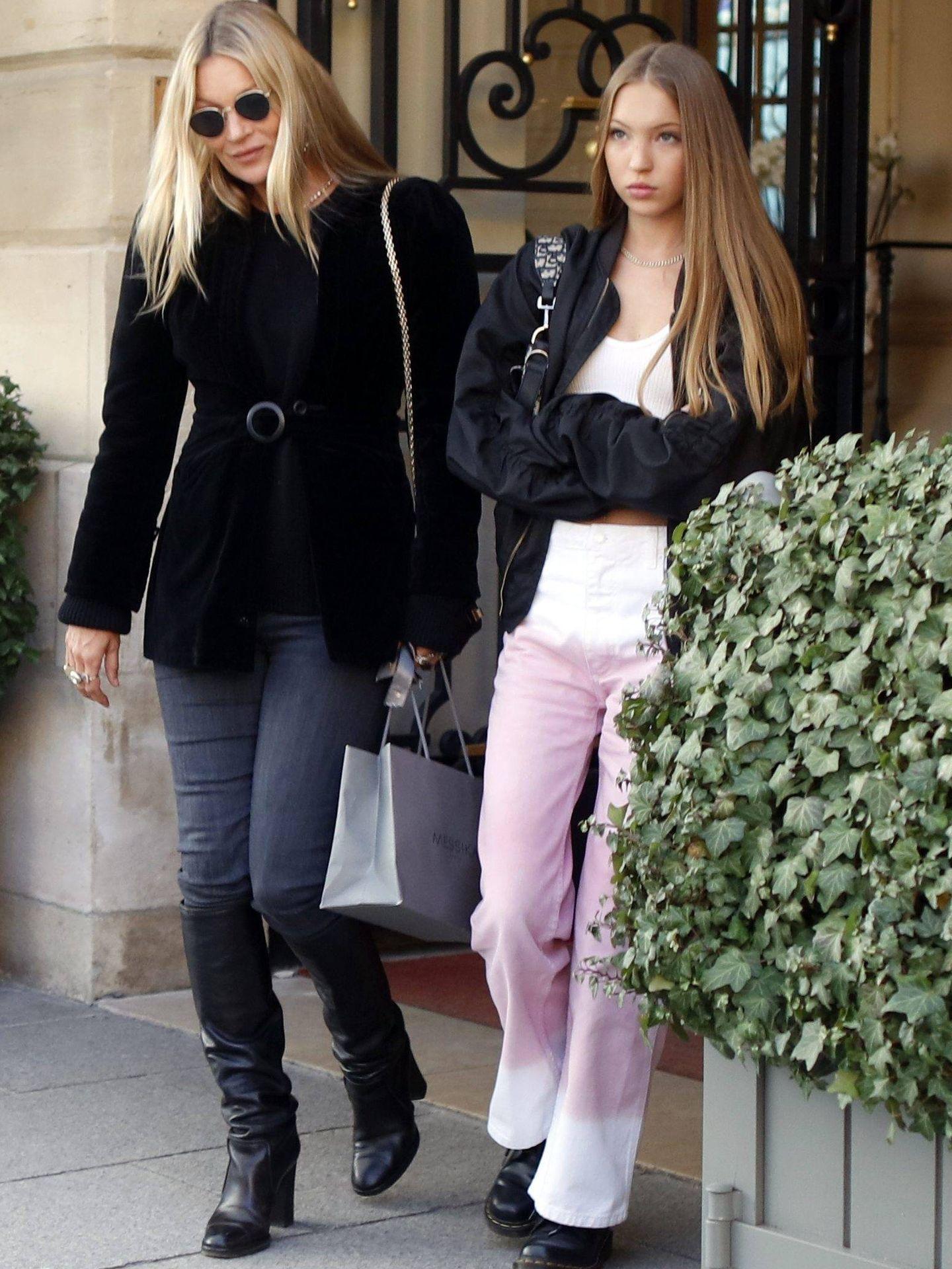 Kate Moss y su hija Lila Grace. (Cordon Press)