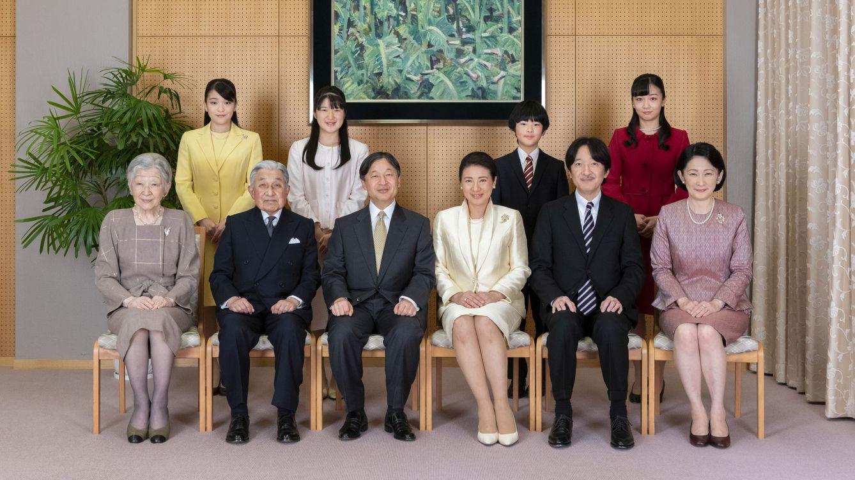 Adoptar a niños: la sorprendente idea de Japón para que las mujeres sigan sin optar al trono