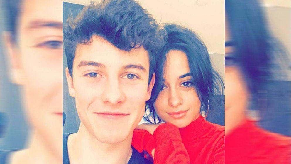 Camila Cabello y Shawn Mendes, 'cazados' haciendo manitas en un pizzeria