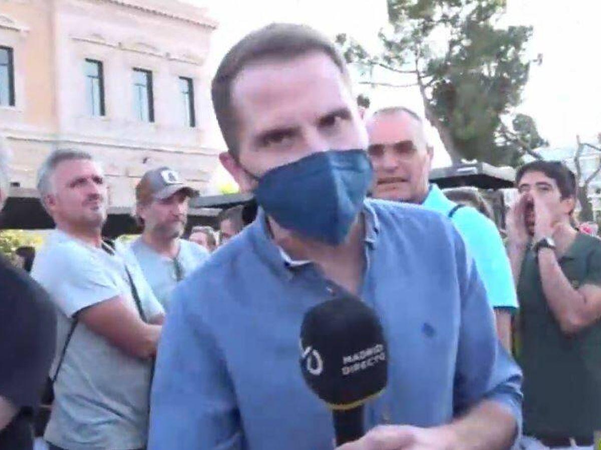 Foto: Antonio Campos, reportero de 'Madrid directo'. (RTVM)