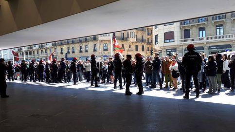 Agresiones e insultos a los asistentes al acto de Vox en San Sebastián