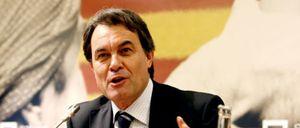 """Foto: CiU dice que el informe de Hacienda es de """"dudosa credibilidad"""" y está hecho con Wikipedia"""