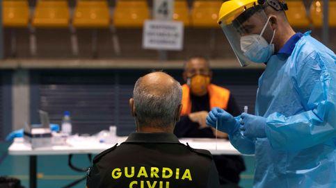 Andalucía baja su tasa de incidencia a 223 y suma 2.368 casos de coronavirus y 19 muertes