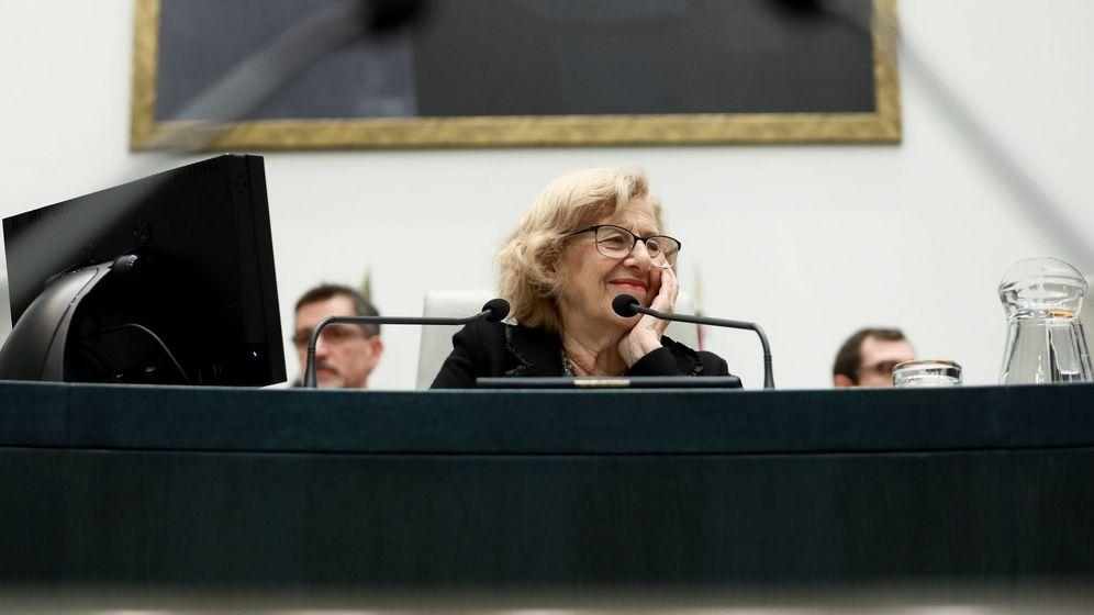 Foto: La alcaldesa madrileña, Manuela Carmena, durante un Pleno del Ayuntamiento de Madrid. (EFE)