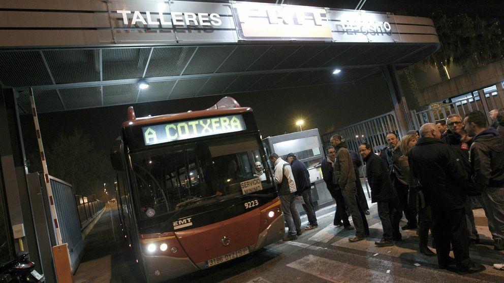 Valencia prohíbe fumar en las marquesinas de las paradas de autobús