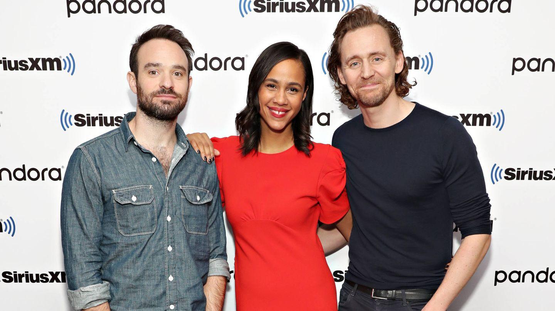 Charlie Cox, Zawe Ashton y Tom Hiddleston. (Getty)
