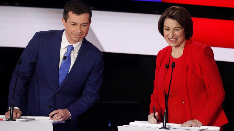 'The New York Times' anuncia su apoyo a las senadoras Klobuchar y Warren contra Trump