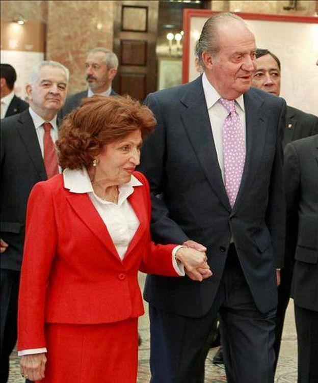 Foto: Roser Rahola junto al Rey emérito en una foto de archivo. (EFE)
