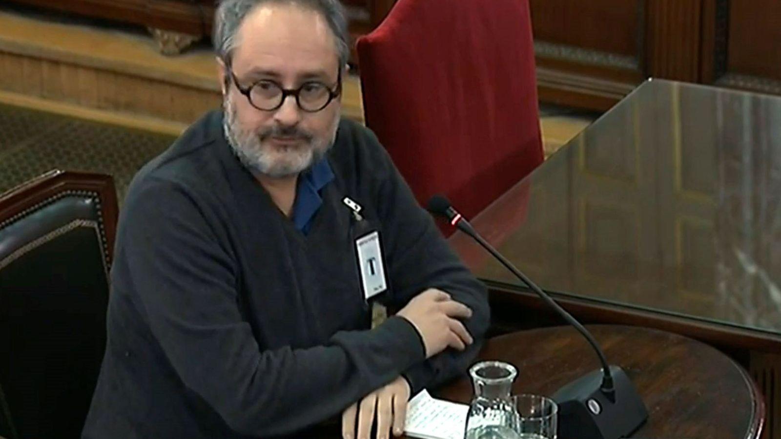 Foto: El exdiputado de la CUP Antonio Baños, declarando este miércoles como testigo en el juicio del 'procés'. (EFE)
