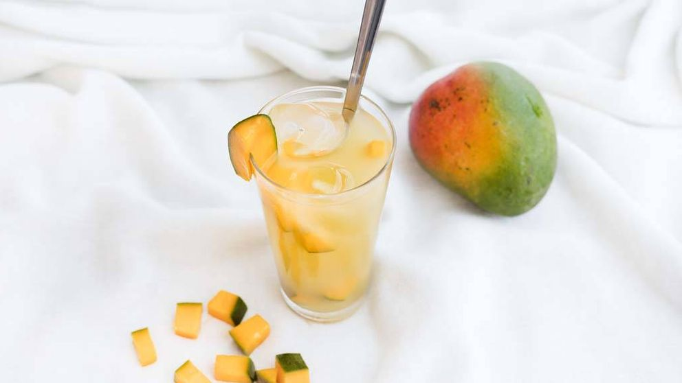 Limonada de piña y mango, refresco casero natural