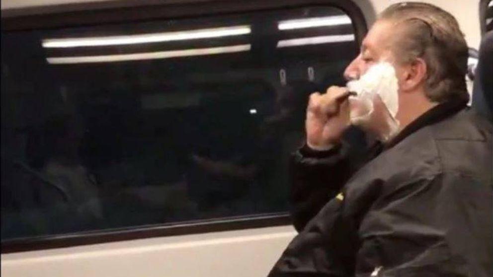 Se afeitó en el tren y se rieron de él por las redes. No conocían su historia