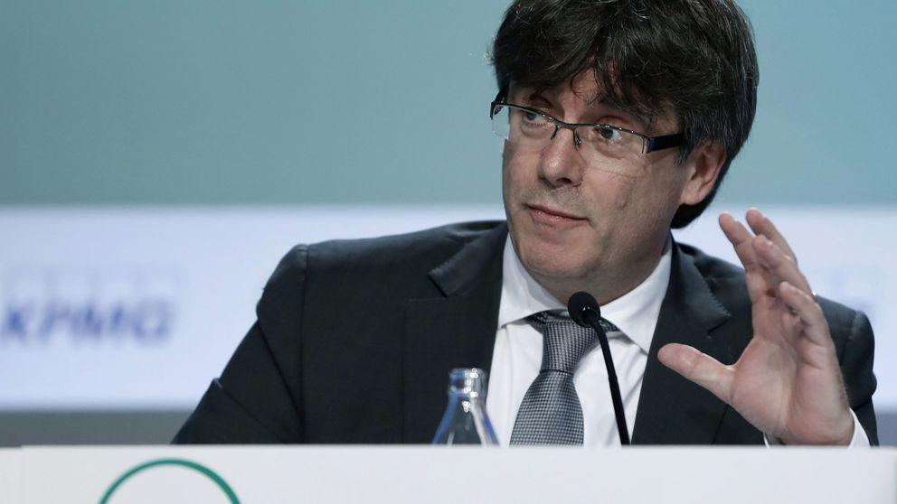 Puigdemont convoca una cumbre prorreferéndum y Colau rechaza acudir