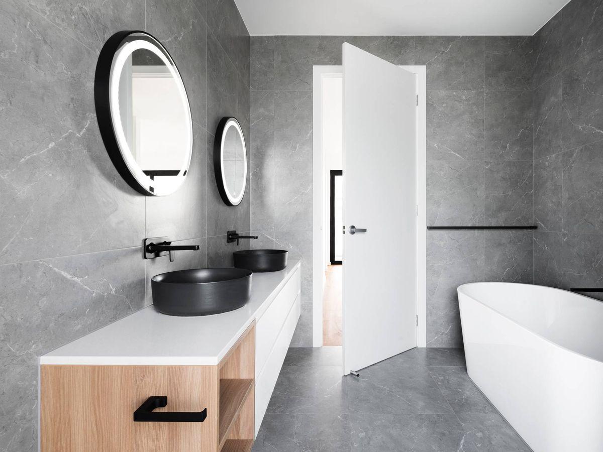 Foto: Renueva tu baño sin necesidad de hacer obras. (R ARCHITECTURE para Unsplash)