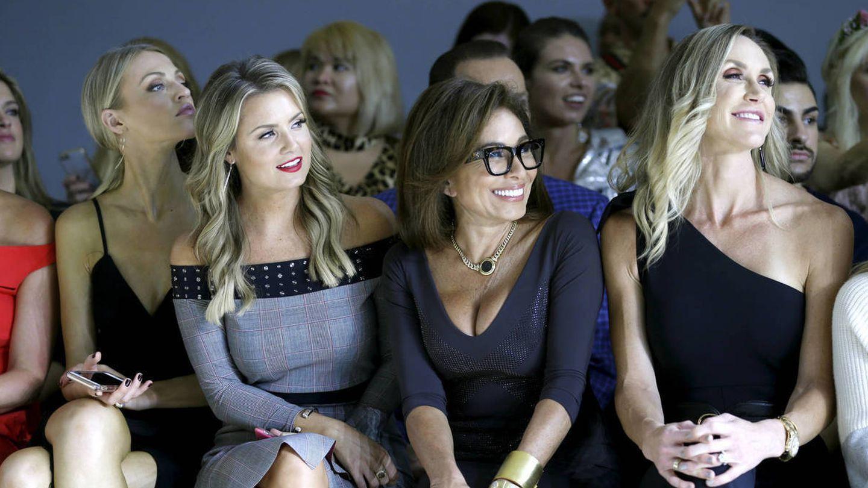 Jillian Mele, Jeanine Pirro y Lara Trump, en el front row de Chiara Boni. (Getty)