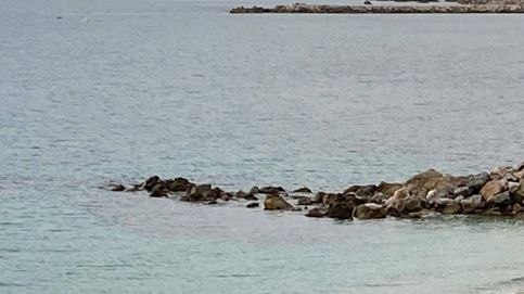 Hallado el cadáver de un joven magrebí con traje de neopreno en una playa de Ceuta