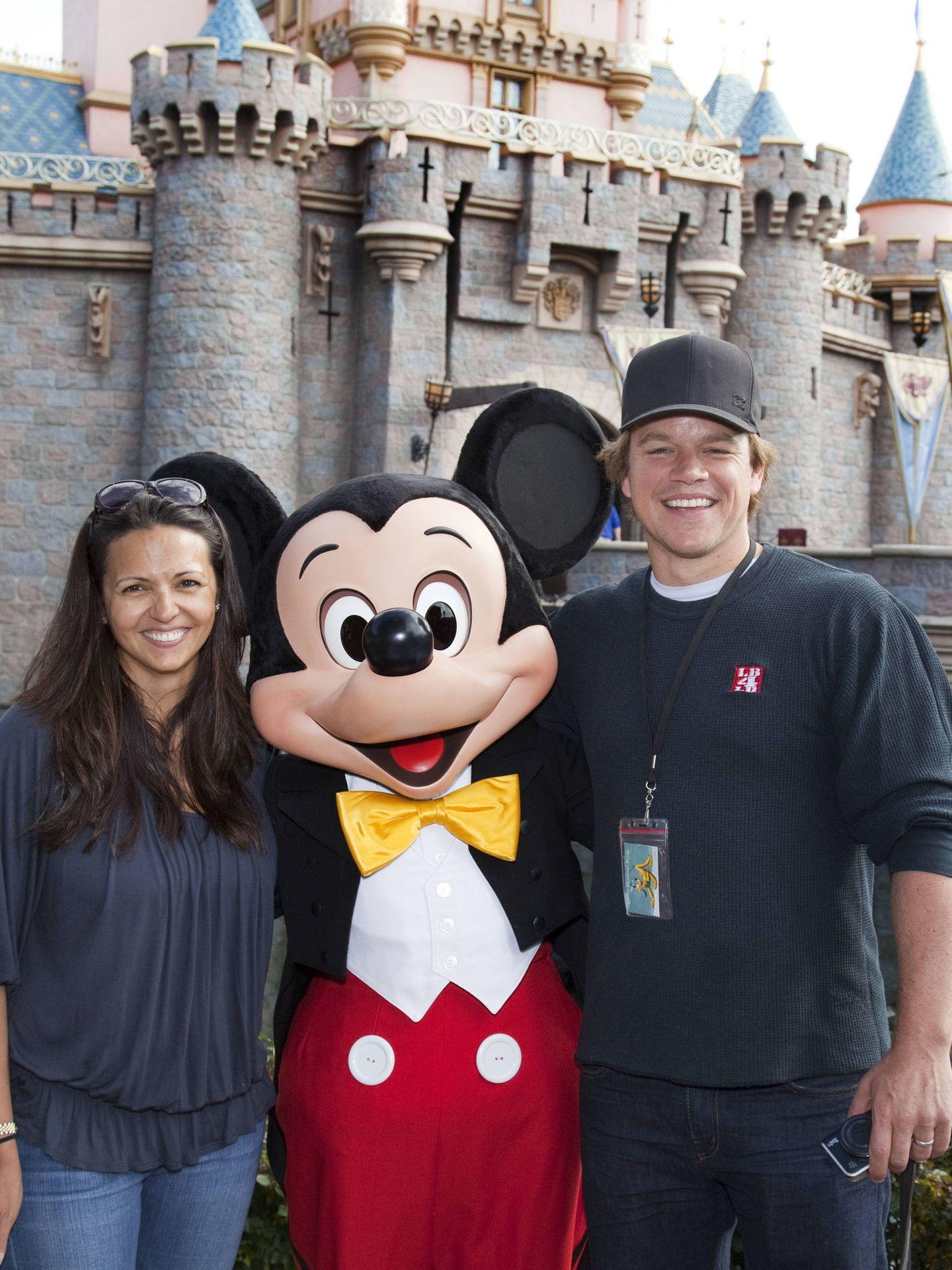 Luciana y Matt, en Disneylandia. (Getty)