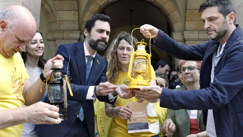 El presidente del Parlament de Cataluña, Roger Torrent (i). (EFE)