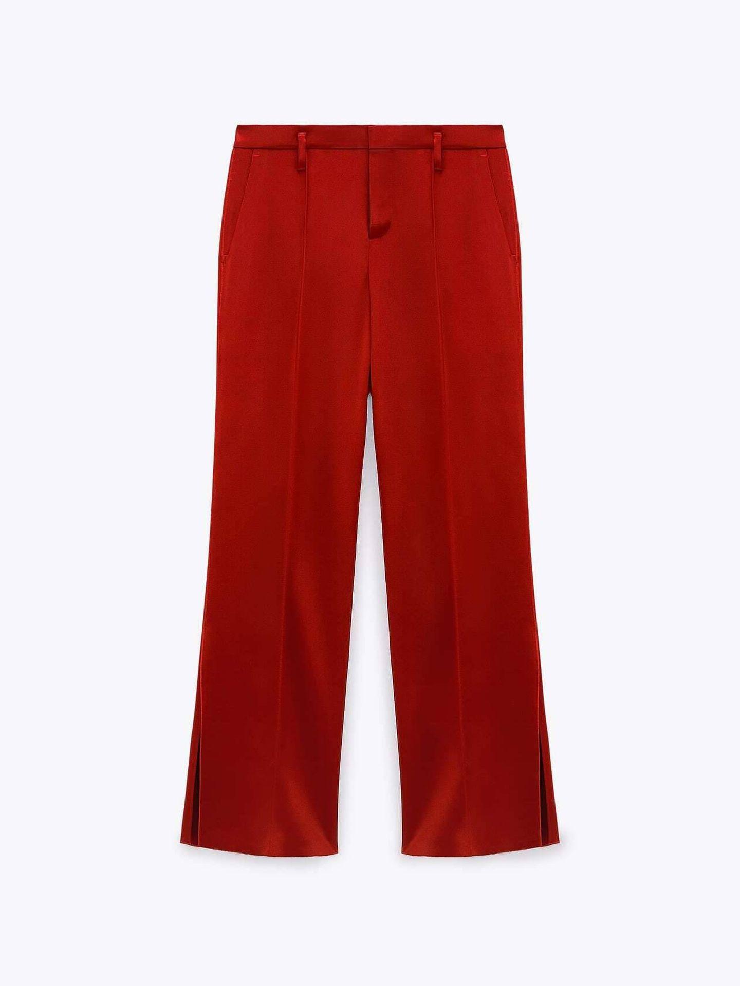El pantalón satinado de Zara. (Cortesía)