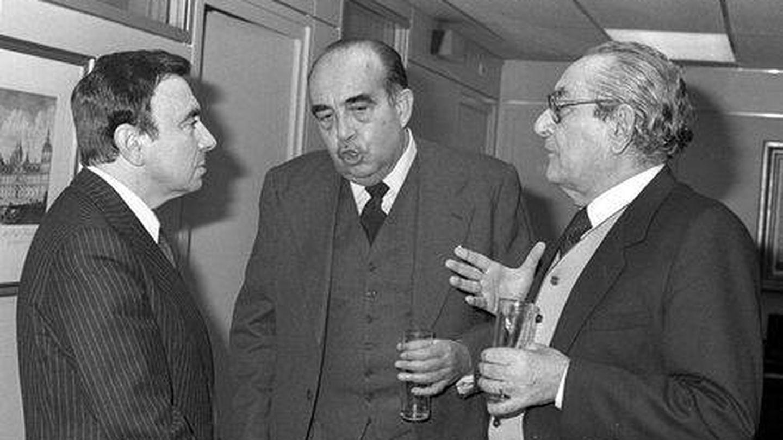 Luis María Ansón, Fernando Lázaro Carreter y Luis Rosales.