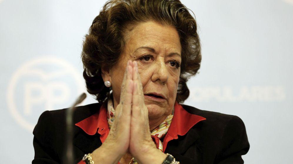 Foto: La exalcaldesa de Valencia y senadora territorial Rita Barberá, durante una rueda de prensa. (EFE)