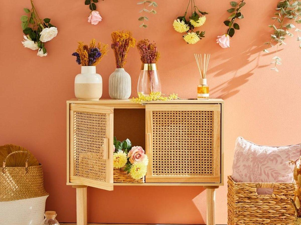 Foto: Primark Home decora tu hogar con estilo y por muy poco con sus ramos de flores que parecen reales. (Cortesía)