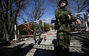 La OTAN anuncia la suspensión de las maniobras y reuniones con Rusia