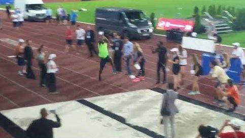 Usain Bolt ahora también prueba el salto de longitud