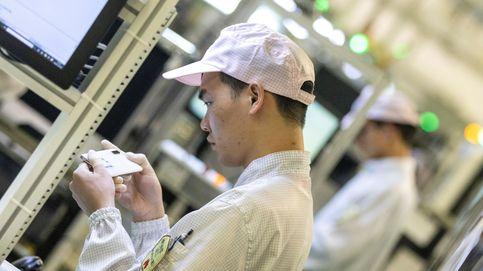 Móviles, relojes... Por qué las baratijas chinas que compras están destrozando el planeta