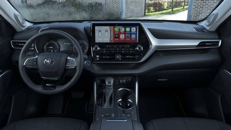 Interior muy completo en esta variante Luxury tope de gama del Toyota Highlander.