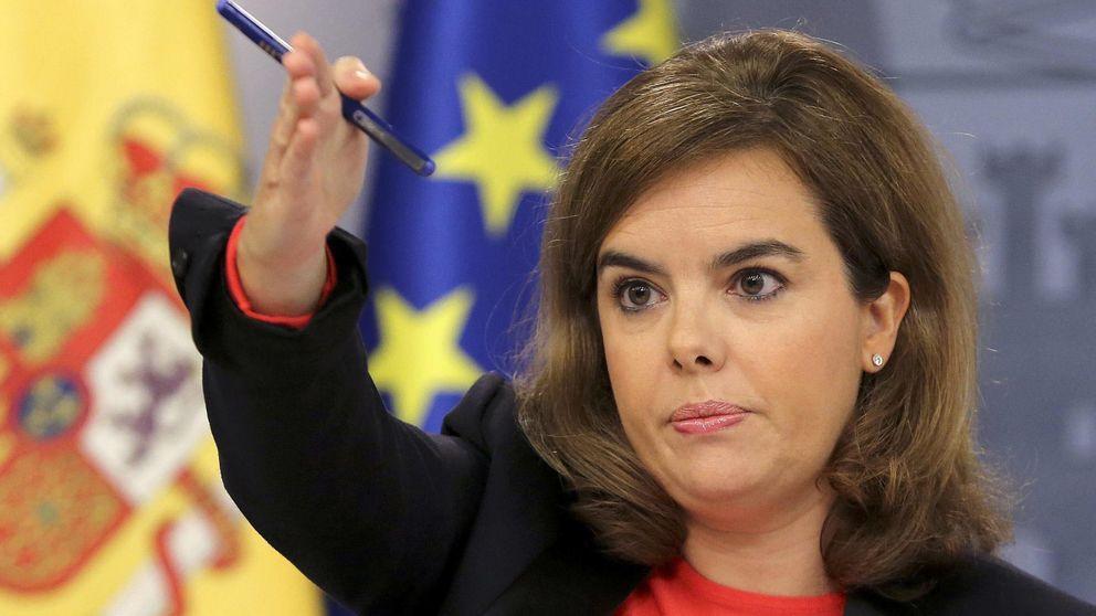 Santamaría llama vago al PSOE por oponerse a tramitar los PGE en verano
