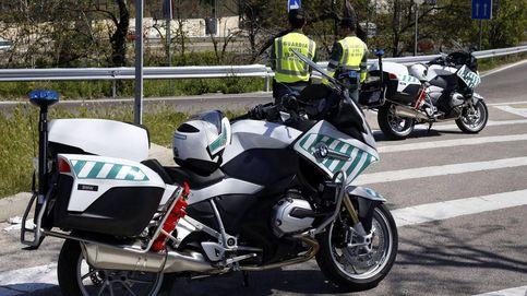 La Guardia Civil de tráfico denuncia más y auxilia menos a los conductores