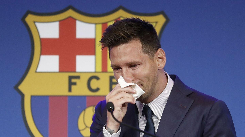Messi rompe a llorar durante su despedida. (EFE)
